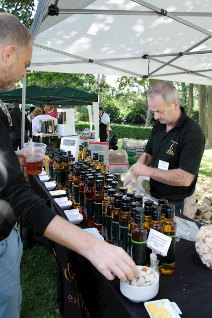 The first stall I stopped at was Chiltern Cold Pressed - it's hard to believe that all these amazing oils originate a few miles away!  The oil is gently squeezed from the rapeseeds then filtered and bottled right there on the farm!  Yes, I tasted quite a few of the flavours…My favourites?  Definitely the oak smoked oil closely followed by the garlic!