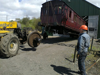 Removing the axle from the MS&L carriage