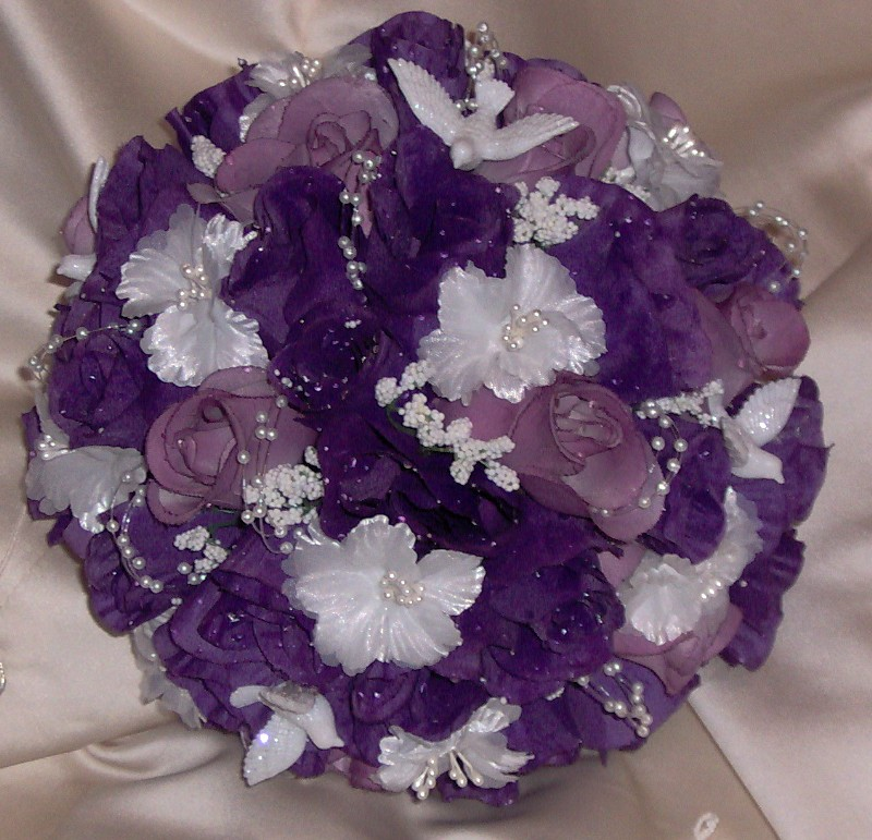 Doing Your Own Flowers For A Wedding: Your Elegant Purple Violet Wedding Bouquet
