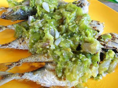 Resep Masakan Ikan Kembung Goreng Garing Pedas Sambal Hijau