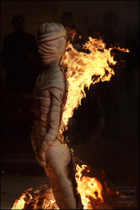 valencia,fallas,crema,fuego,fotografia,momia,ninot
