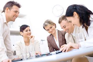 Actitud positiva en reunión de trabajo