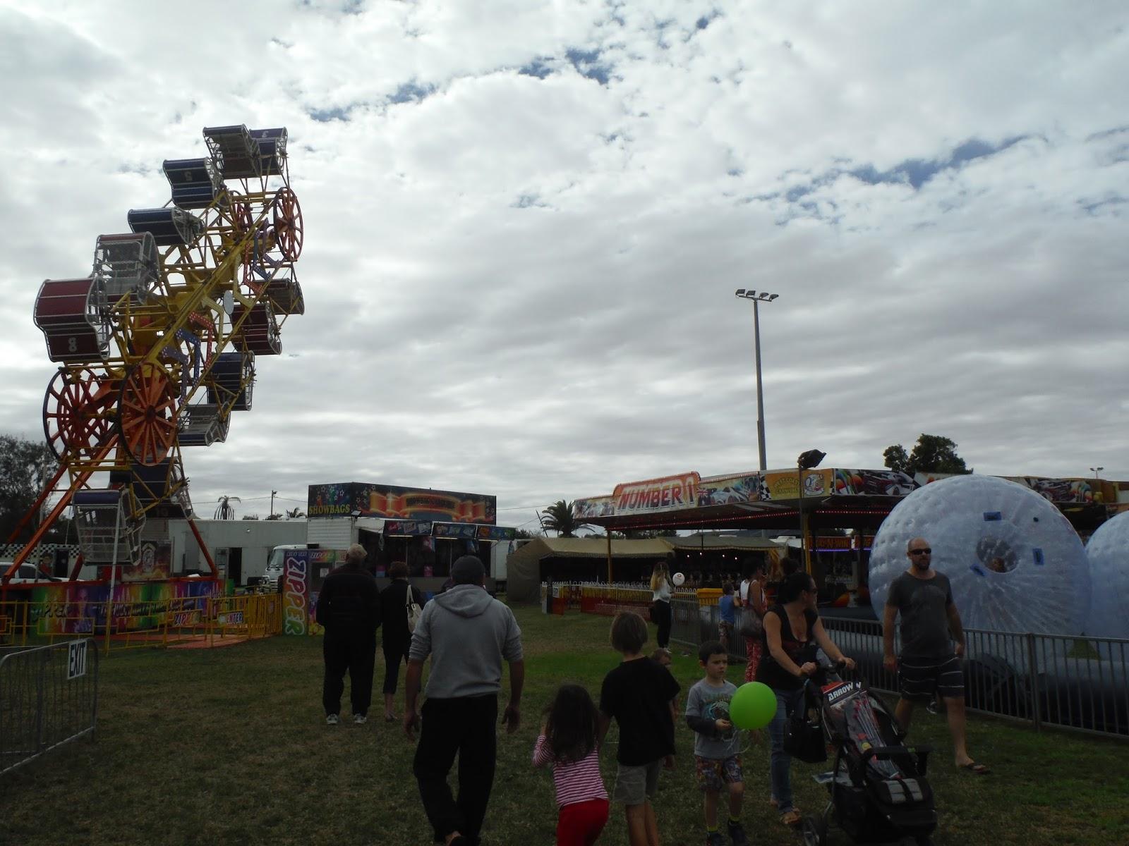 ece89e19232 Atraktsioone ei ole West Coast Mitro Carnivalil tegelikult väga palju.  Lastele on kaks täispuhutavat batuuti ning neli suurt täispuhutavat palli,  ...
