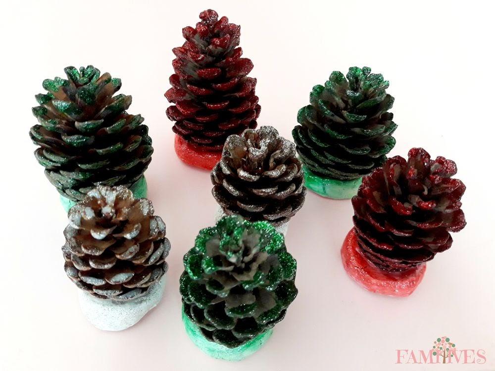 DIY Χριστουγεννιάτικα δεντράκια με κουκουνάρια με Glitter Giotto & πηλό Das!