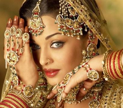 Arti Mimpi Memakai Perhiasan