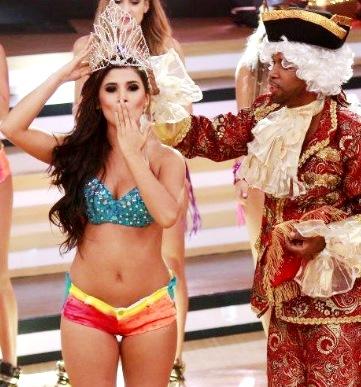 Foto de Yahaira Plasencia como reina del Shaky en Reyes del Show