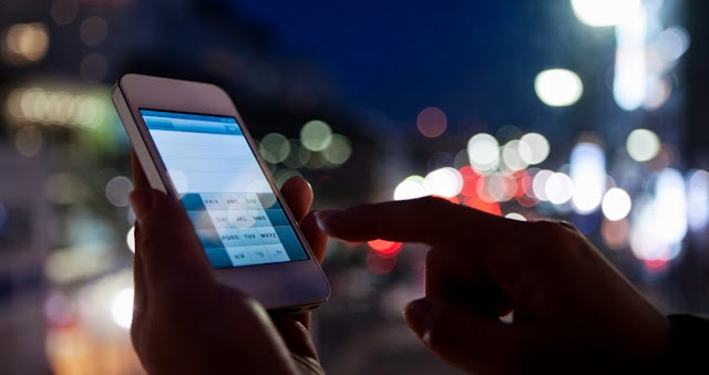 Efek Samping Penggunaan Smartphone Terhadap Pola Komunikasi Sekarang