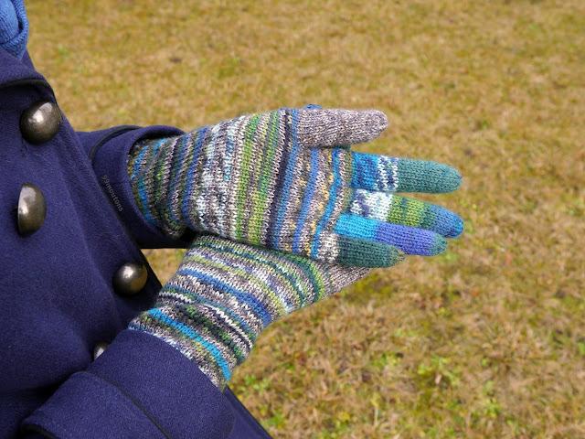 gants tricotés en laine Fabel de Drops