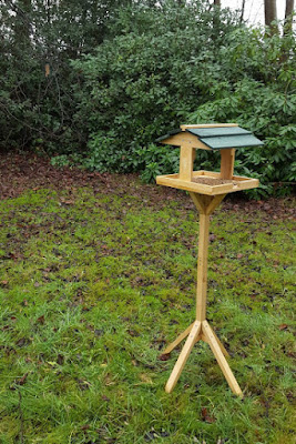 Cage Feeder squirrel proof and bird table