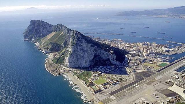 España abordará el tema de Gibraltar en su reunión con el negociador europeo del Brexit