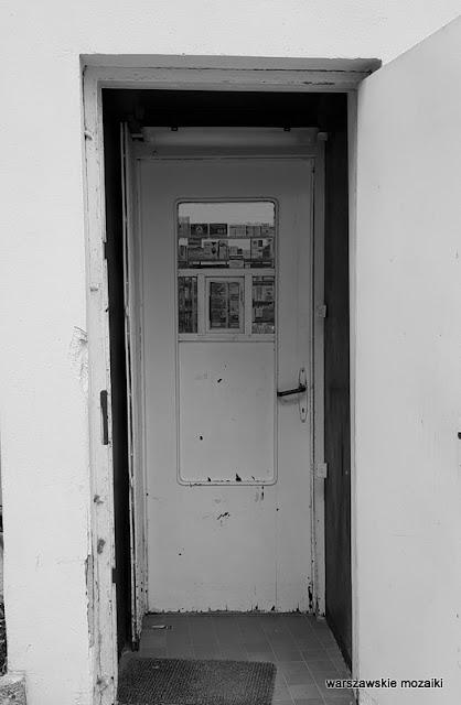 Warszawa Warsaw Mickiewicza 34/36 le Corbusier modernizm Żoliborz architektura drzwi