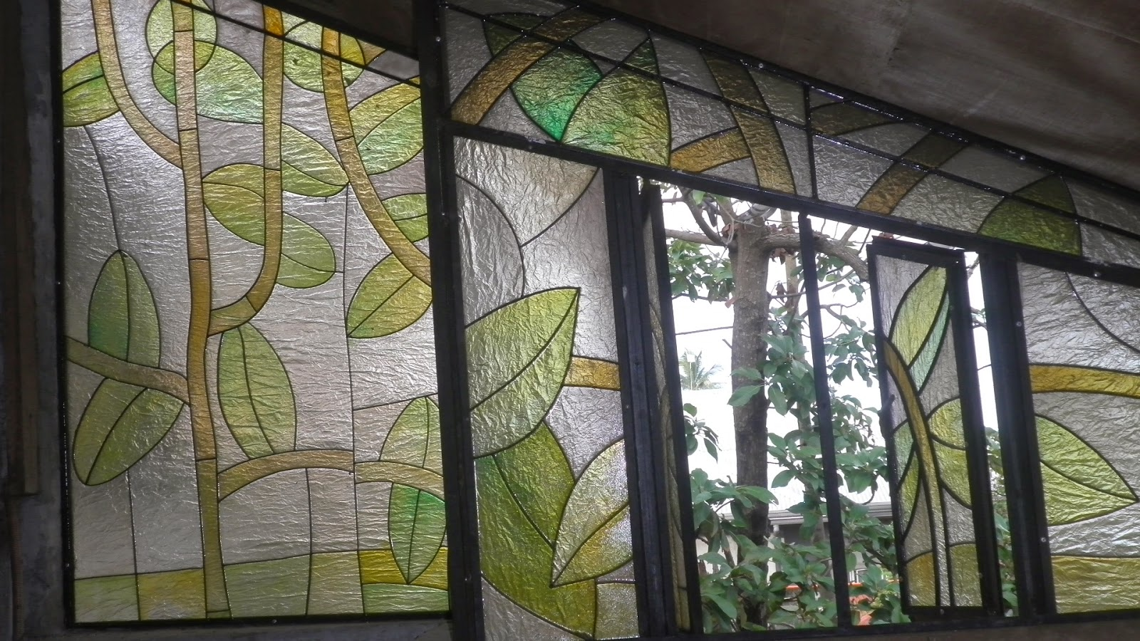 Fiberglass window with steel framing l modern art l nature l