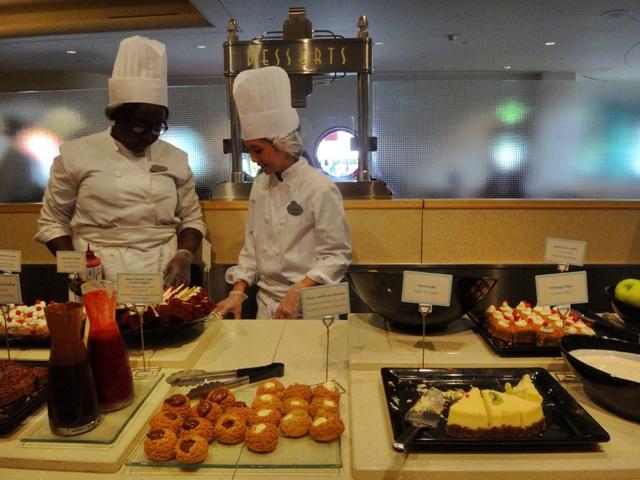 Buffet de dulces en Restaurant Des Starts en Walt Disney Studios