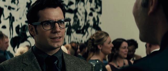 Batman v Superman 2016 Full Movie Free Download And Watch Online In HD brrip bluray dvdrip 300mb 700mb 1gb