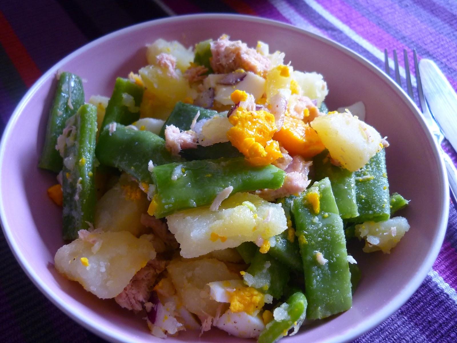 La chef a ensalada de jud as verdes patatas at n y huevo - Ensalada de judias verdes arguinano ...
