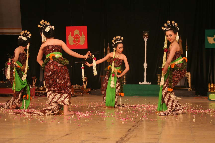 Tari  Serimpi, Tarian Asli Yogyakarta