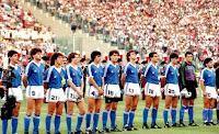 SELECCIÓN DE ARGENTINA - Temporada 1989-90 - Burruchaga, Dezotti, Troglio, Sensini, Basualdo, Ruggeri, Néstor Lorenzo, Serrizuela, Juan Simón, Goycoechea y Diego Armando Maradona - REPÚBLICA FEDERAL DE ALEMANIA 1 (Andreas Brehme), ARGENTINA 0 - 08/07/1990 - Campeonato Mundial de Italia 1990, final - Roma, Italia, estadio Olímpico - ALEMANIA gana su tercer CAMPEONATO DEL MUNDO