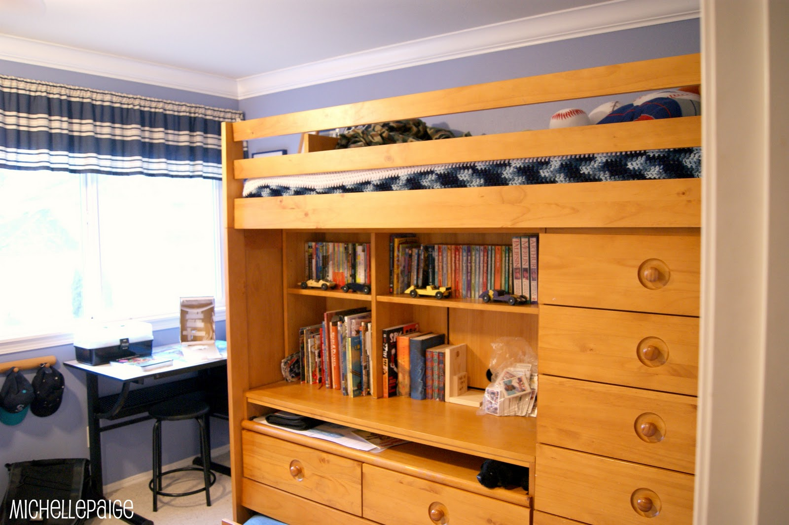 Michelle Paige Blogs: Organizing A Crafty Kid's Room