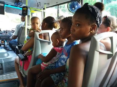 praslin bus
