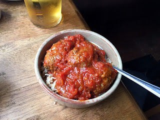 sutzukakia pilafi - Greek meatballs with rice