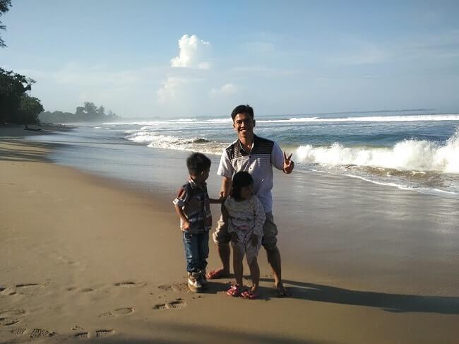 pantai bengkunat belimbing