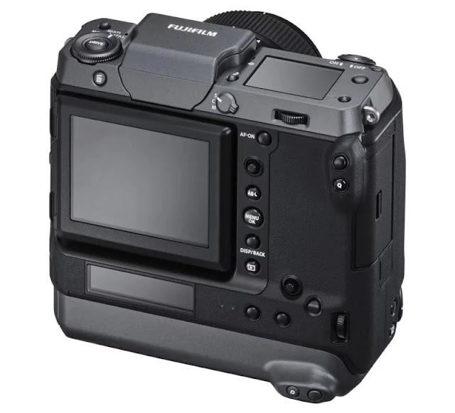 Svelata la Fujifilm GFX100: Si tratta di una fotocamera mirrorless da 102 megapixel