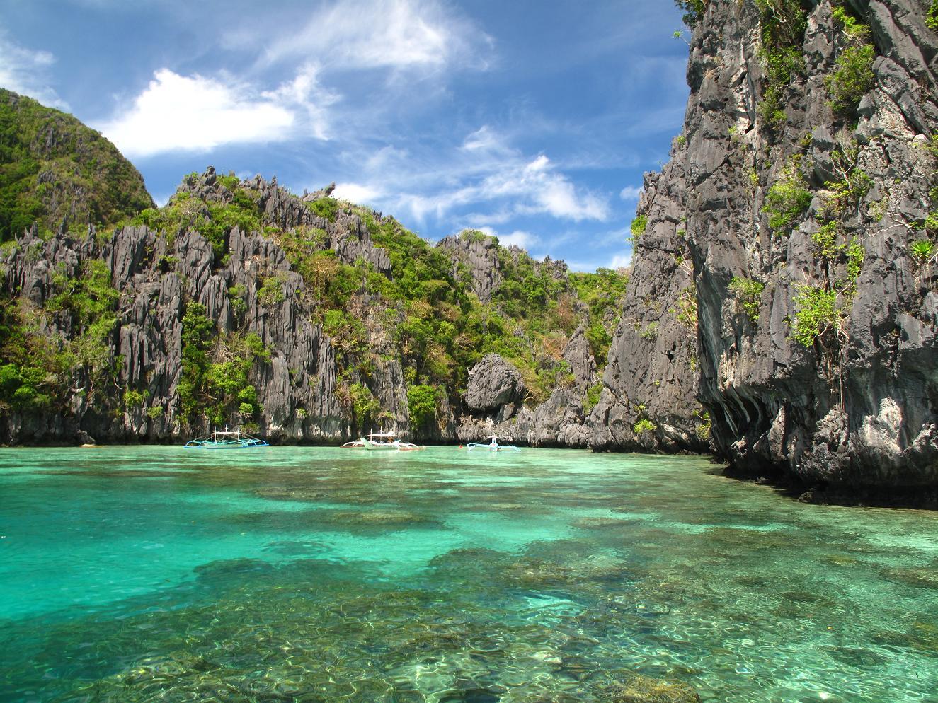 Bacuit archipelago big lagoon small lagoon miniloc and for Lago n