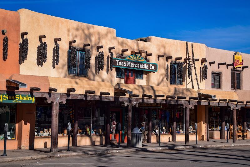 Adobe en Taos Plaza