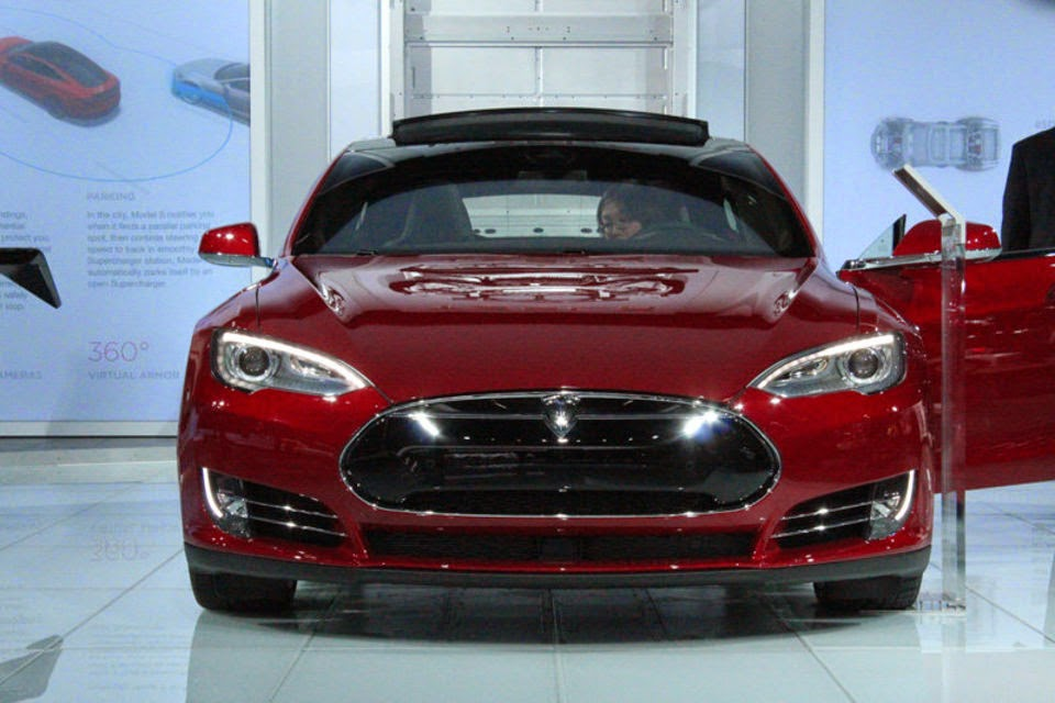 Tesla Introduced New Model S 70D With All-Wheel Drive ...