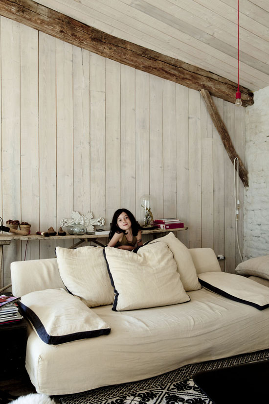 The neo rustic french countryside summer house of Isis-Colombe Combréas #rustic #interiors