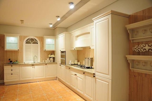 Mẫu tủ bếp Laminate chữ L màu trắng