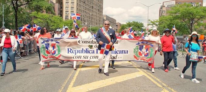 Castillo resalta orgullo patrio y dominicanidad en Gran Parada de El Bronx
