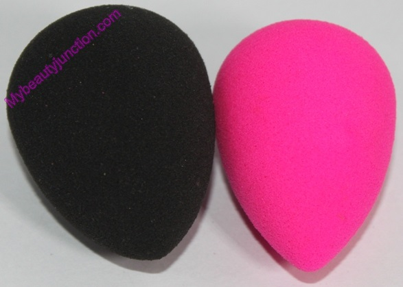 Original Beautyblender Pink vs Pro Black sponges comparison