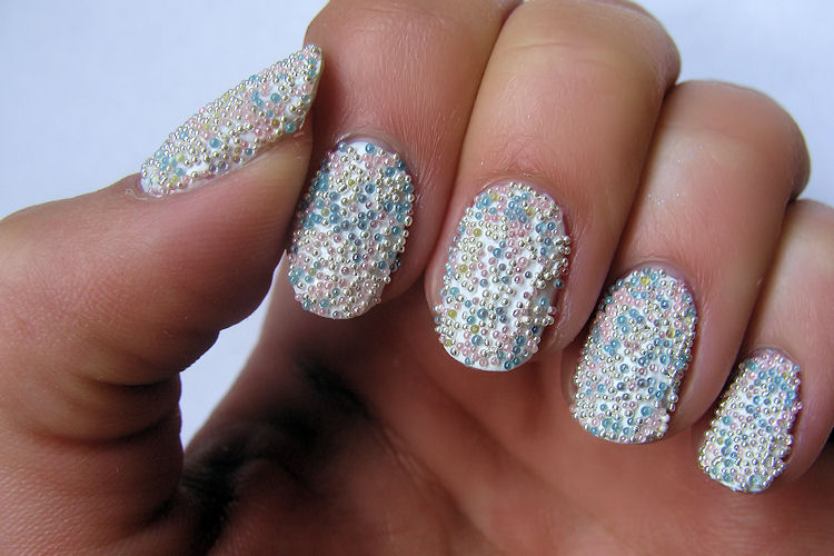 Do It Yourself Nail Designs: Do It Yourself!: Beaded Nails