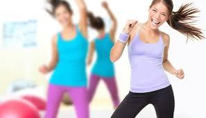 Conheça 5 benefícios da dança para a saúde e bem-estar da mulher, a dança pode ajudá-la a perder peso, reduzir o estrese, e muito mais. Saiba mais no blog.