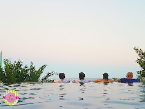 Buracai de Laiya Infinity Pool