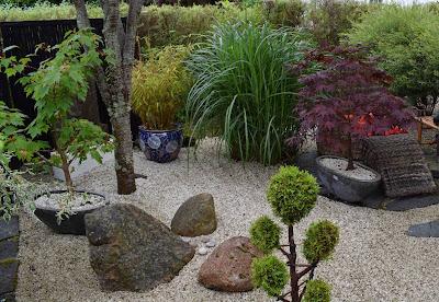 Japanska trädgårdar, Krattat grus, Grusträdgård