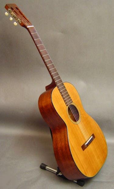 The Unique Guitar Blog: Parlor Guitars
