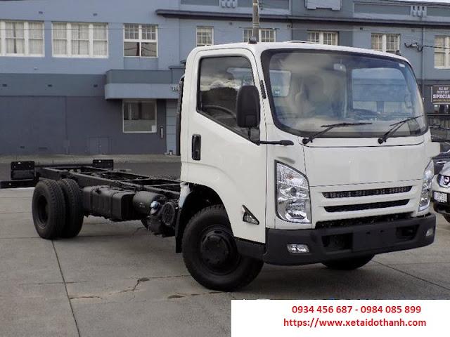 Ngoại thất xe tải IZ65 đô thành 2.5 tấn thùng kín