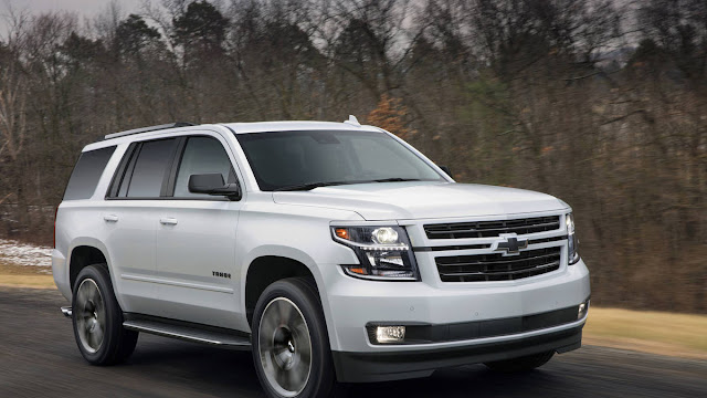 New Look Chevrolet TAHOE RST 2018 Front view