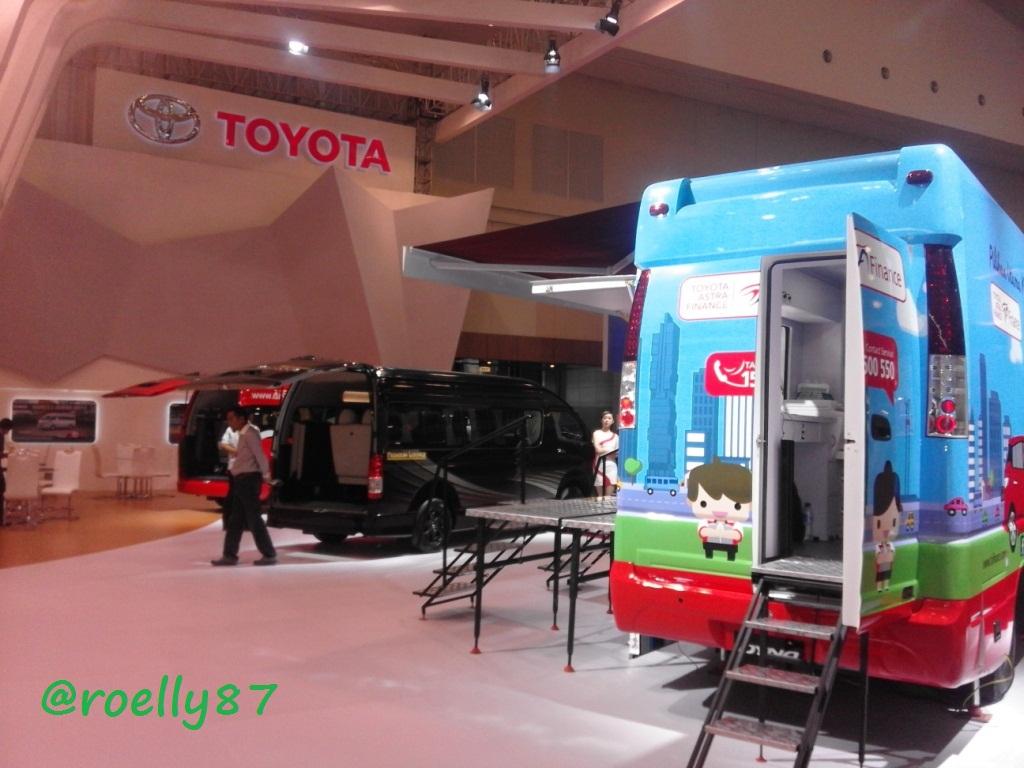Foto Grand New Veloz Spesifikasi Avanza 2018 Beberapa Kendaraan Toyota Di Booth Truk Hall 3c