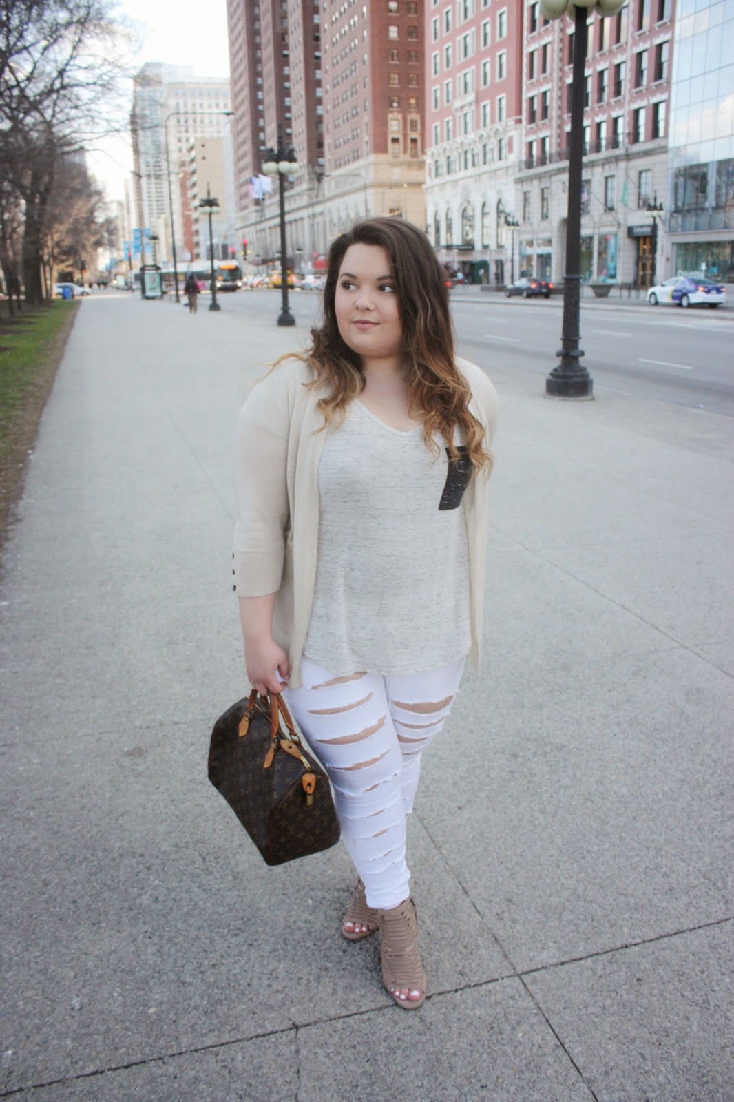destroyed white denim, curvy girls, full figured, bbw, white pants, white jeans, spring style 2015, natalie craig, natalie in the city, chicago, plus size fashion blogger, louis vuitton, forever 21, BKE accessories