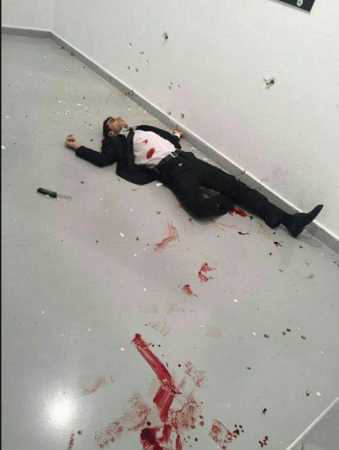 Embaixador russo é morto a tiros na Turquia