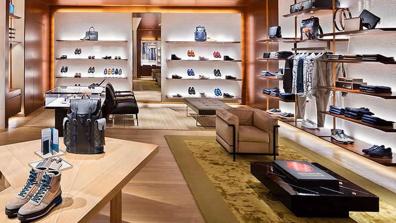 ... o valor por lá vale a pena e estes são os melhores lugares para comprar  sapatos nos Estados Unidos. Veja, também, onde comprar maquiagens em Las  Vegas. 584e217a53