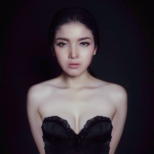 Foto Seksi Atria Loni Gadis Seksi Berkulit Putih Bersih Full Part 1 5