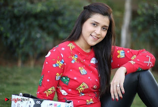 Actress Mannara Chopra Latest Poshoot Gallery  0016.jpg