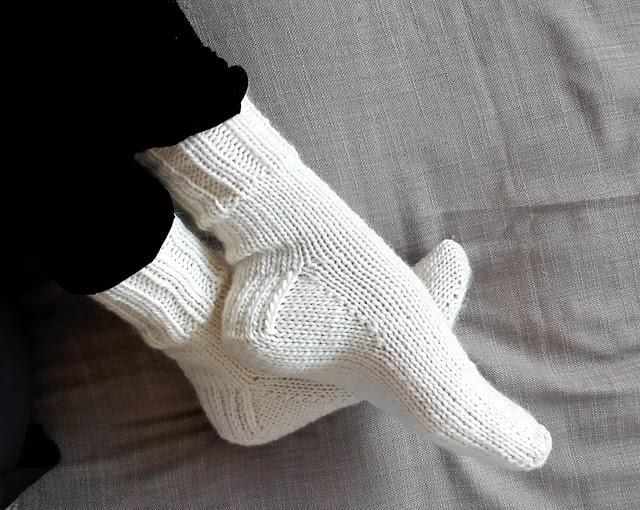 Free Knitting Pattern For Toe Up Socks On Magic Loop : Karn Knits: Silja & Mads toe up socks - FREE KNITTING PATTERN
