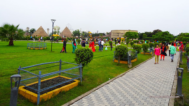 Replica of Wonders of the World at Eco Tourism Park, Kolkata