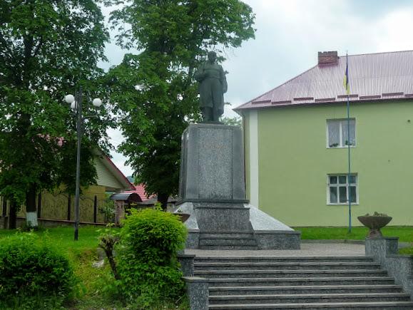 Старий Самбір. Пам'ятник Шевченку
