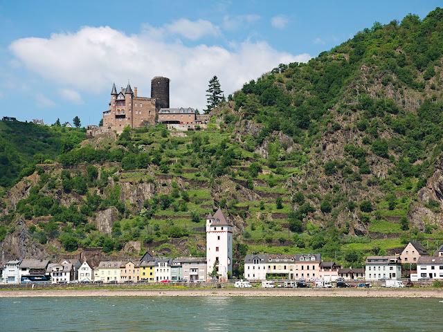 St. Goarshausen und die Burg Katz